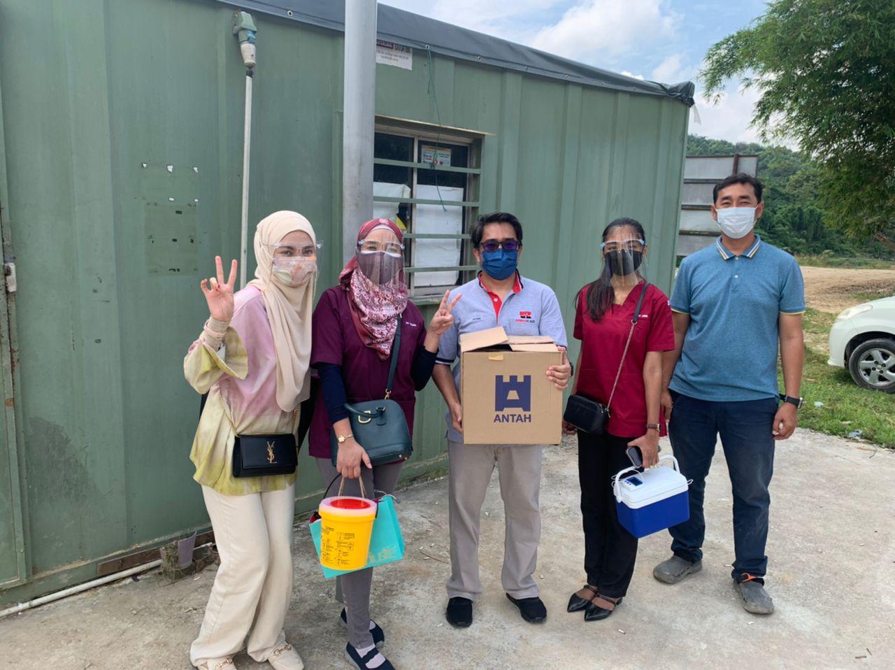 Mobile vaccination program team.